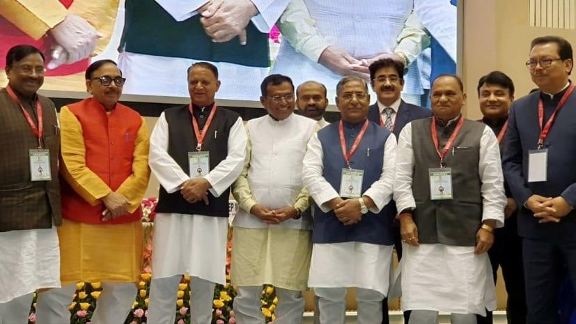 बिहार के पथ निर्माण मंत्री नंदकिशोर यादव को सर्वश्रेष्ठ मंत्री अवार्ड से किया गया सम्मानित, दिल्ली के विज्ञान भवन में सम्मान समारोह