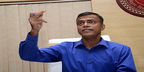 बिहार बोर्ड के अध्यक्ष आनंद किशोर बने पटना के प्रभारी सचिव, 4 IAS को मिला जिलों का जिम्मा