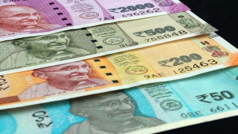 बैंक से कैश निकालना पड़ेगा महंगा!  अब नए नियम के हिसाब से देना पड़ेगा टैक्स