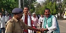 मुजफ्फरपुर में नामांकन रद्द होने से नाराज लोकसभा चुनाव में खड़े 2 प्रत्याशियों ने किया आत्मदाह का प्रयास