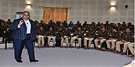नवनियुक्त पुलिस अधिकारियों से बोलें खुर्शीद अहमद, बिहार के युवाओं को 'संजू' बनने से बचाए