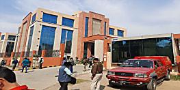 बिहार पुलिस मुख्यालय के सामने एक शख्स के आत्मदाह करने की खबर से हड़कंप,पुलिस मुख्यालय के सामने अग्निशमन और एम्बुलेंस तैनात