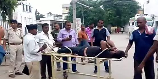 बड़ी खबरः हाजीपुर में पुलिस और अपराधियों के बीच फायरिंग.... एक अपराधी को लगी गोली...