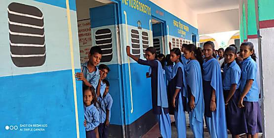 प्राइवेट स्कूलों को मात दे रहा सिकन्दरा का उत्क्रमित मध्य विद्यालय, बच्चों को पसंद आ रहा स्कूल का नया लुक