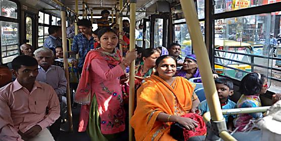 बिहार में महिलाओं की सुरक्षा को लेकर सरकार ने उठाया बड़ा कदम ,पब्लिक ट्रांसपोर्ट में लगाए जाएंगे इमरजेंसी बटन और ट्रैकिंग डिवाइस