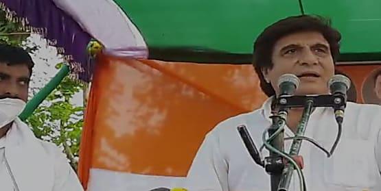 लखीसराय में कांग्रेस प्रत्याशी के प्रचार के लिए पहुंचे फिल्म स्टार राज बब्बर, नीतीश पर साधा निशाना, कहा- चाणक्य नीति अपना कर शिक्षक बदला लें