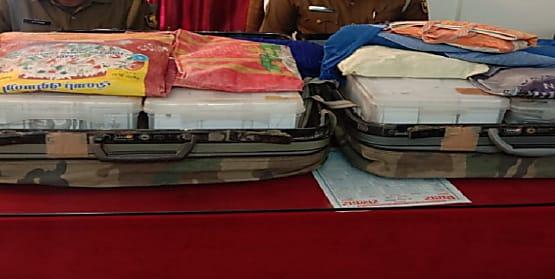 बिहार पुलिस शराब खोजने निकली थी और हाथ लग गयी 32 किलो चांदी, 2 लोगों को किया अरेस्ट