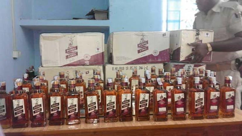 पुलिस को मिली बड़ी कामयाबी, छापेमारी में जब्त 372 कार्टून अंग्रेजी शराब