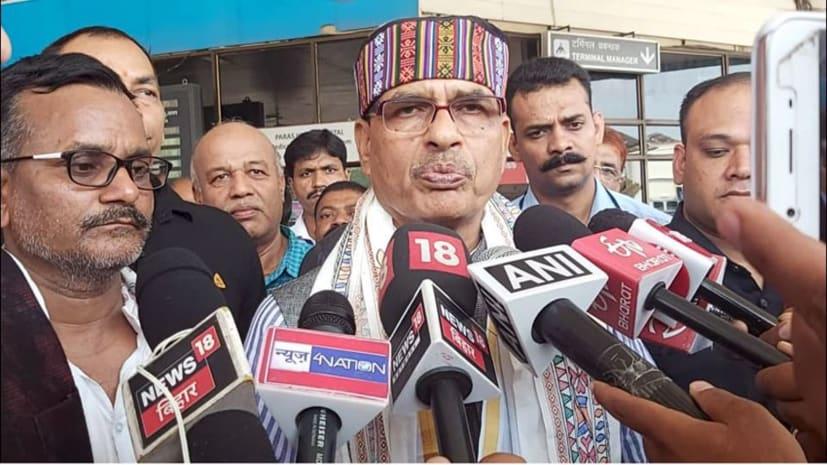 शिवराज सिंह चौहान पहुंचे पटना, बिहार बीजेपी मेंबरशिप अभियान की करेंगे समीक्षा