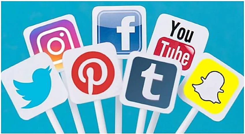 संसद में बोली मोदी सरकार- आधार से फेसबुक और ट्विटर अकाउंट को जोड़ने का कोई प्रस्ताव नहीं