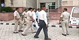 हवाईजहाज-ट्रेन से हथकड़ी-रस्सी लेकर दिल्ली रवाना हुई पटना पुलिस की टीम...अनंत सिंह को बिहार लाने की तैयारी