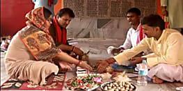 पूर्व केन्द्रीय मंत्री सुषमा स्वराज के भाई पहुंचे गया, बहन के साथ पूर्वजों के लिए पिंडदान