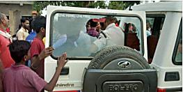 नवादा में तेज रफ्तार वाहन ने वृद्ध को रौंदा, मौके पर मौत, आक्रोशित लोगों ने पुलिस पर किया पथराव