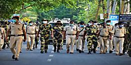 स्वतंत्र, निष्पक्ष एंव शान्तिपूर्ण चुनाव को लेकर एसपी के नेतृत्व में किया गया फ्लैग मार्च, बीएसएफ के जवान भी रहे मौजूद