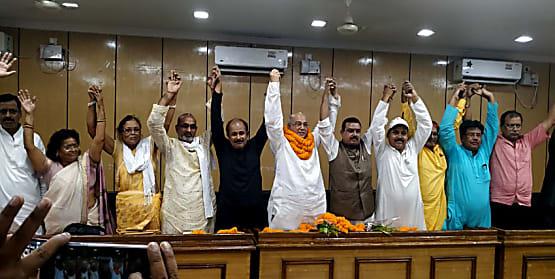 लोकसभा चुनाव में करारी हार के बाद गुटबाजी का शिकार हुआ राजद, नाराज गुट ने अलग पार्टी बनाने का किया फैसला
