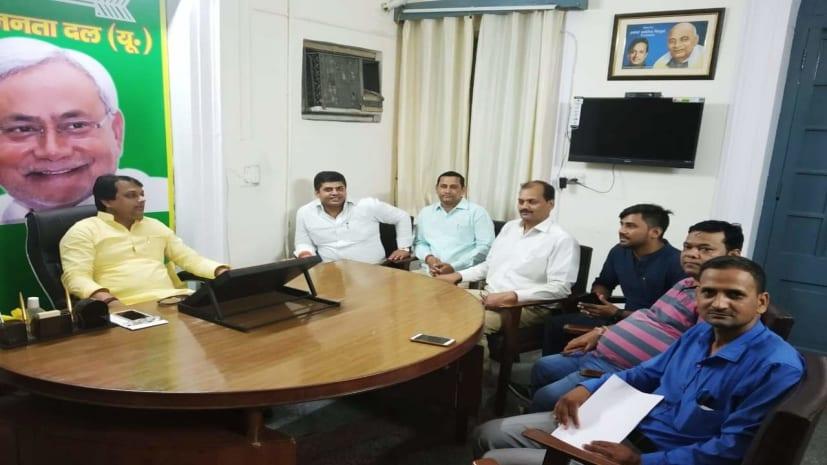 सीएम नीतीश कुमार की पार्टी जेडीयू अब दूध पिलाने का करेगी कार्यक्रम, पूरे देश में चलेगा अभियान
