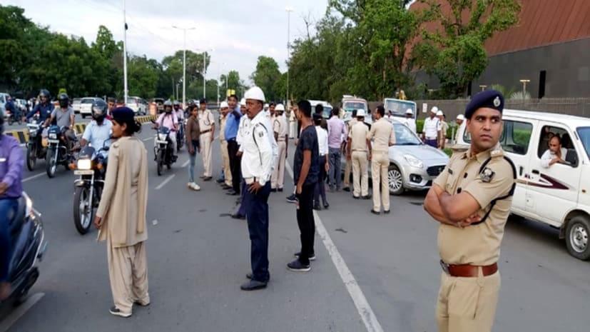 पटना में नाबालिग चला रहा था ई-रिक्शा, पुलिस ने किया 32 हज़ार रूपये का जुर्माना