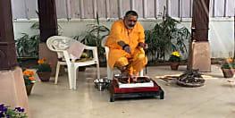 कांग्रेस एमएलसी प्रेमचंद्र मिश्रा ने गिरिराज सिंह को बताया अधार्मिक, कहा- देखिए कुर्सी कितनी प्यारी है