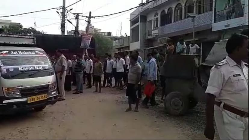 बड़ी खबर : पटना में एक ट्रक से बरामद हुई युवक की लाश, इलाके में मचा हड़कंप