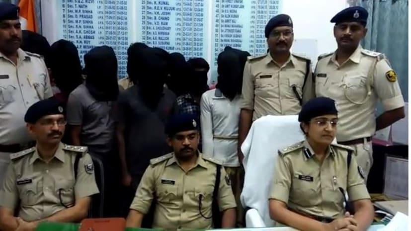 पटना पुलिस ने किया सॉल्वरों के गिरोह का भंडाफोड़, 6 गिरफ्तार, लाखों में होता है सौदा