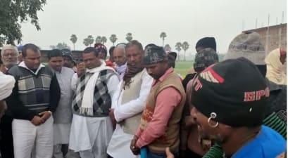 सड़क दुर्घटना में एक ही परिवार के तीन लोगों की मौत, गाँव में मचा कोहराम