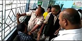 मेडिकल चेकअप कराने आये शराबी ने जमकर मचाया उत्पात, पुलिसवालों को दी भद्दी गालियाँ