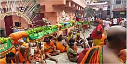 अनोखी भक्ति : पटनासिटी से 54 फीट का कांवर लेकर देवघर पहुंचे कांवरिये