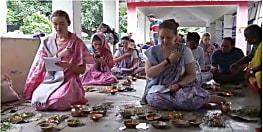 अब विदेशियों को भी आकर्षित कर रही पिंडदान की परंपरा, पितृमुक्ति की कामना लिए छह रुसी पिंडदानी पहुंची गया