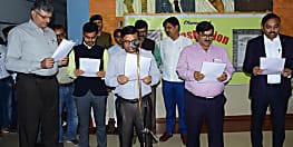 सोनपुर रेल मंडल में संविधान शपथ समारोह का हुआ आयोजन, डीआरएम ने सैकड़ों कर्मियों को दिलाई शपथ
