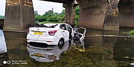 बड़ा हादसा, पुल के नीचे गिरी कार, 5 की मौत