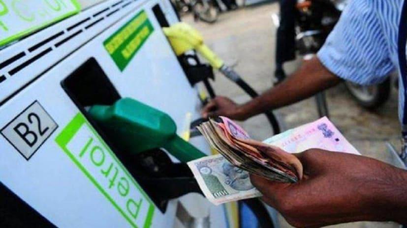 खुशखबरी: नए साल में पेट्रोल के दाम में आएगी भारी गिरावट