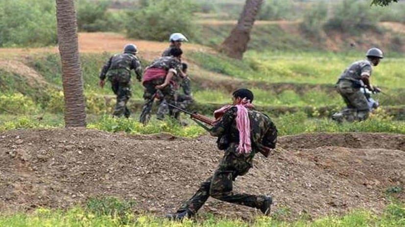 खूंटी में पुलिस की बड़ी कार्रवाई, 5 लाख का इनामी समेत 7 नक्सली गिरफ्तार