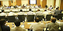 बिजली व्यवस्था सुदृढ़ करने के लिए मुख्यमंत्री ने की समीक्षा बैठक, अधिकारियों को दिए कई निर्देश