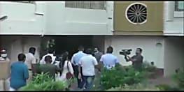 रिया के घर NCB की रेड, भाई के साथ चैट में ड्रग्स को लेकर हुई थी बातचीत