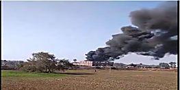 हीरो शो-रूम के गोदाम में लगी भीषण आग, कई बाइक जलकर राख