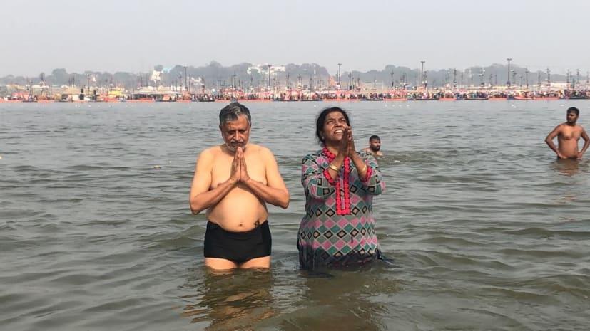 डिप्टी सीएम सुशील मोदी ने कुंभ में लगाई डुबकी, महाशिवरात्रि के अवसर पर प्रयागराज में की पूजा-अर्चना
