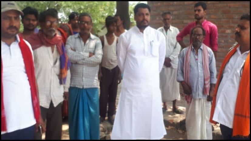 बीजेपी नेता मनोज कुमार ने मोकामा में चलाया जनसंपर्क, मुंगेर सीट से एनडीए उम्मीदवार ललन सिंह के लिए मांगा वोट