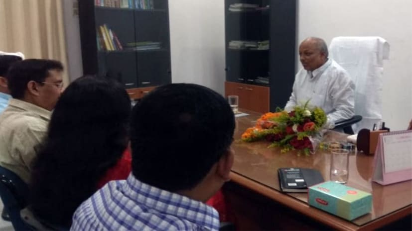 नीतीश कैबिनेट के नए समाज कल्याण मंत्री संभाली कुर्सी,पहले दिन अफसरों के साथ की बैठक