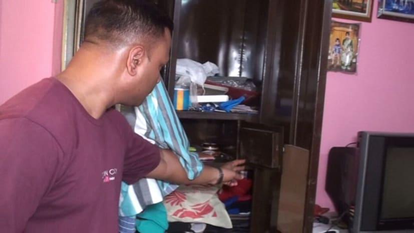 आधी रात डकैतों ने मचाया तांडव, घर में की लूटपाट, महिलाओं के साथ की मारपीट