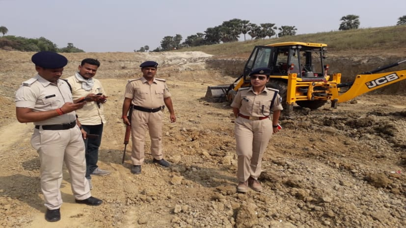 बिहार: बालू माफिया पर कहर बनकर टूटी 'लेडी सिंघम', कई हिरासत में