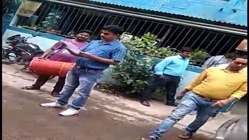सृजन घोटाला के आरोपी इंदु गुप्ता भगोड़ा घोषित पति अरुण गुप्ता पहले से ही जेल में