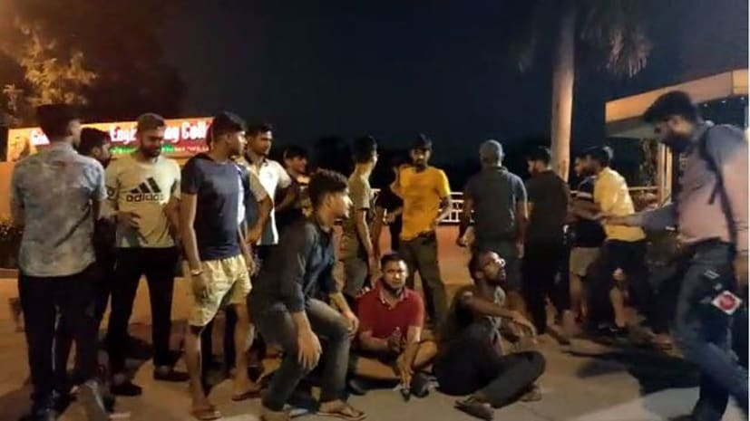 बड़ी खबर : पंजाब में बिहार-यूपी के छात्रों के साथ मारपीट, कॉलेज प्रशासन ने छात्रों को हॉस्टल में बना रखा है बंधक