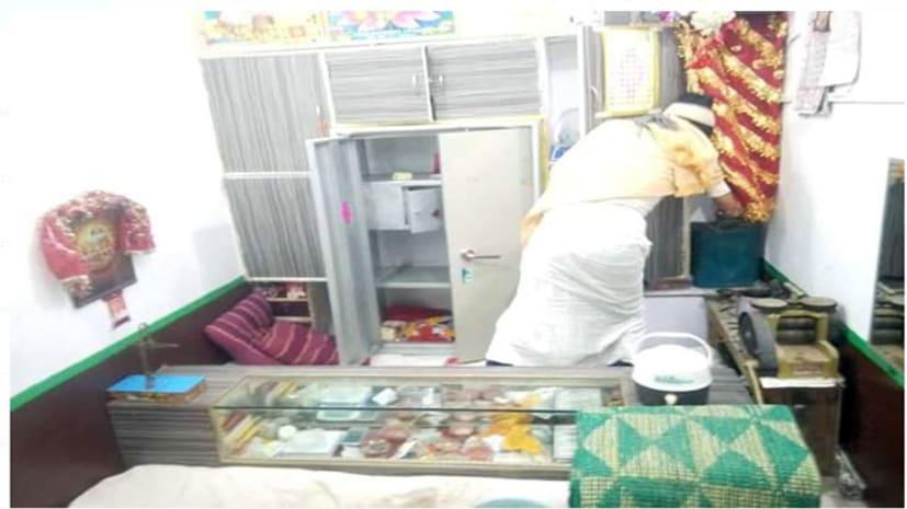 नवादा में ज्वेलरी दुकान में भीषण चोरी, मामले की जांच में जुटी पुलिस