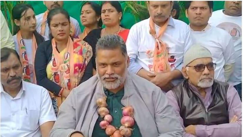 सरयू राय के समर्थन में जमशेदपुर पहुंचे पप्पू यादव, बोले- ये चिंगारी बिहार होते हुए दिल्ली तक जाएगी