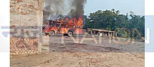 Sitamarhi News : दवा व्यवसायी की हत्या के बाद भारी बवाल, आक्रोशित लोगों ने दो बसों में लगायी आग