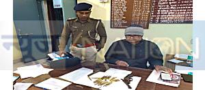 नवादा पुलिस को मिली बड़ी सफलता, सड़क निर्माण कंपनी से रंगदारी मांग मामले में फरार आरोपी को हथियार के साथ किया  गिरफ्तार