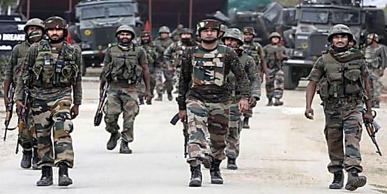 जम्मू-कश्मीर पर सरकार ले सकती है बड़ा फैसला, घाटी में तैनात की गई पैरामिलिट्री की 100 कंपनियां