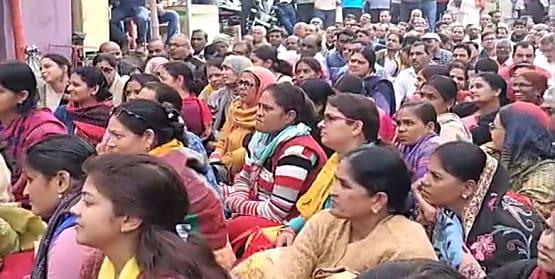 बिहार में शिक्षकों की हड़ताल लगातार जारी, इस जिले में 500 शिक्षकों पर होगी कार्रवाई