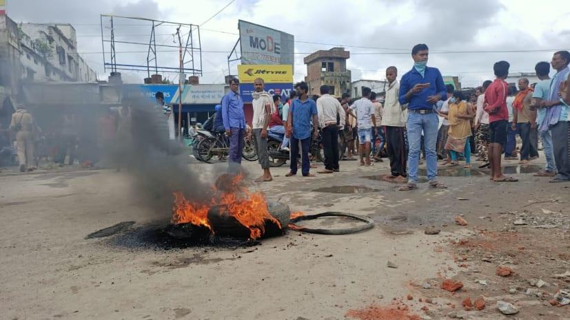 बेगूसराय में सड़क हादसे में शख्स की मौत, 12 घायल