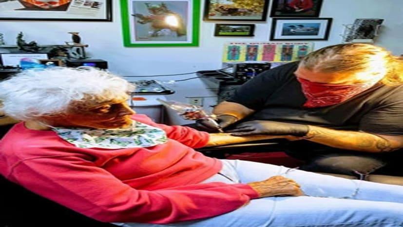 अस्पताल से निकलते ही 103 साल की दादी ने बनवाया टैटू, बाइक पर ली राइड